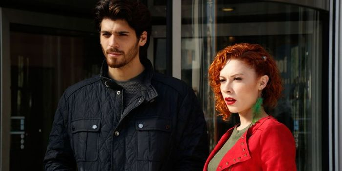 Acelya Topaloglu and Can Yaman - Dating, Gossip, News, Photos