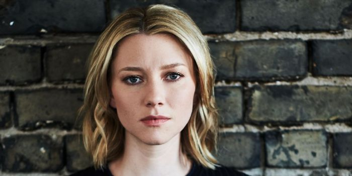 Valorie Curry breaking dawn