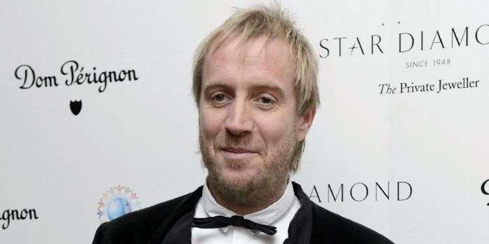 Friel-ing a bit lonely? Anna looks for love after Rhys Ifans rift
