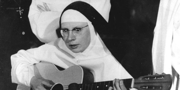 wavre lesbian singles The single dominique became the tragic and horrible life of the singing nun premiered off-broadway did the singing nun commit suicide with her lesbian.