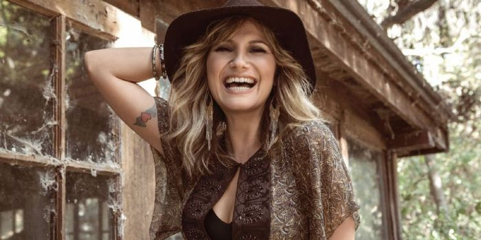 who is jennifer nettles dating now
