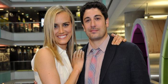 Taylor Schilling and Jason Biggs