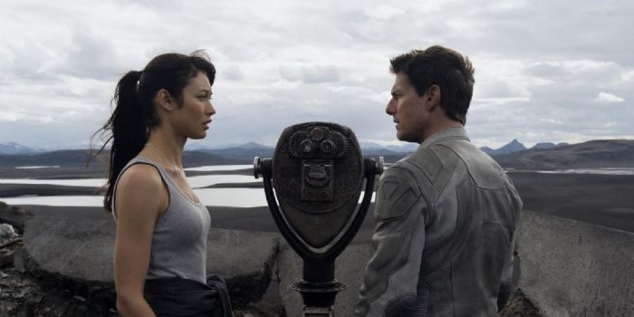 Tom Cruise and Olga Kurylenko