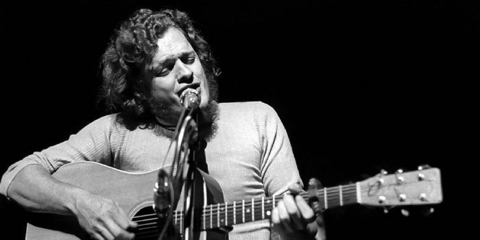 Who is Harry Chapin dating? Harry Chapin girlfriend, wife