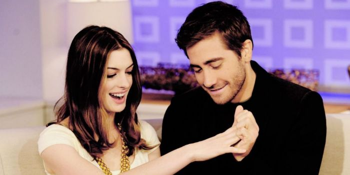 Jake Gyllenhaal and Anne Hathaway