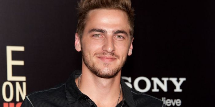 Kendall schmidt and kayslee collins