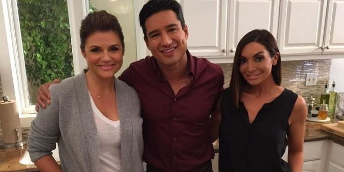 Tiffani Amber Thiessen and Mario Lopez