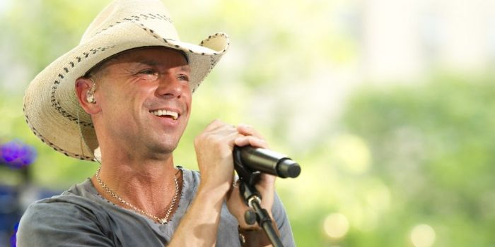 Is kenny chesney dating right now